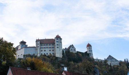 Dachgeschosswohnung in Harburg  - Harburg