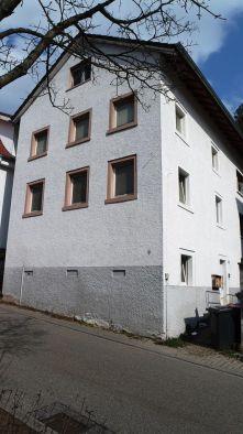 Mehrfamilienhaus in Karlsruhe  - Grünwettersbach
