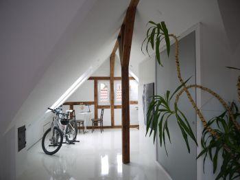 Dachgeschosswohnung in Stuttgart  - Wangen