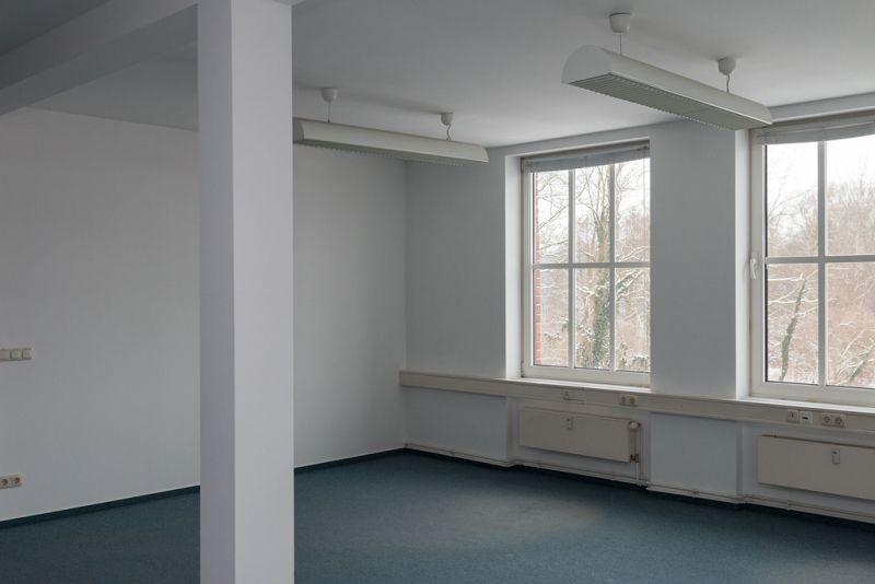 Neu Gro�e Fl�che Kleiner Preis Top Gewerbe Spremberg provisionsfrei - Gewerbeimmobilie mieten - Bild 1