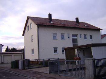 Dachgeschosswohnung in Tegernheim