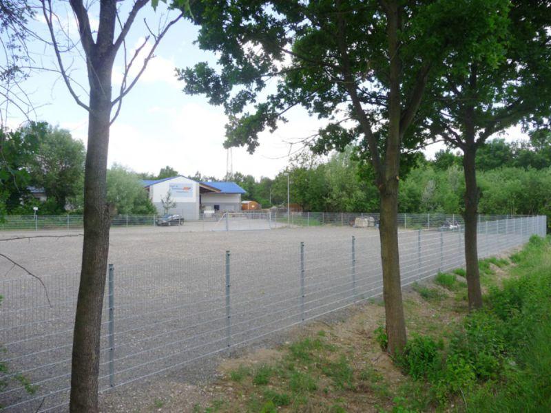 Umz�untes Grundst�ck Ausstellungsfl�che B3 69168 Wiesloch - Grundst�ck mieten - Bild 1