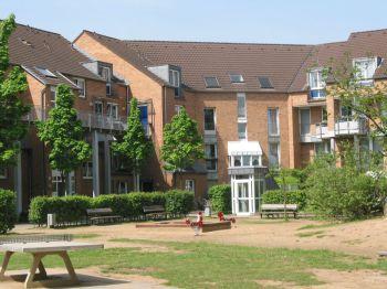 Dachgeschosswohnung in Köln  - Esch/Auweiler