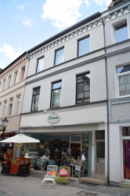 Gemütliche, sanierte Zwei–Zimmer–DG-Wohnung in der Altstadt – mit Stellplatz!...