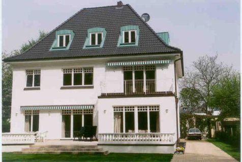 Großzügige 4-Zi.-Wohnung mit Südbalkon zentral und trotzdem ruhig in Blankenese