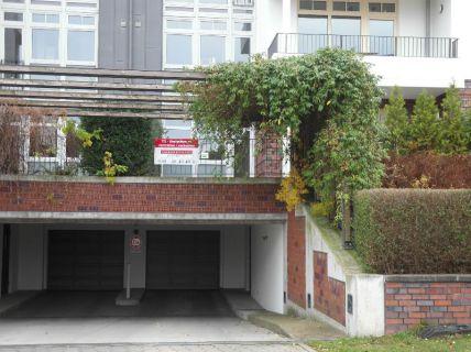 Zentrale Lage in Hamburgs Westen! Tiefgaragenstellplätze in verkehsgünstiger...