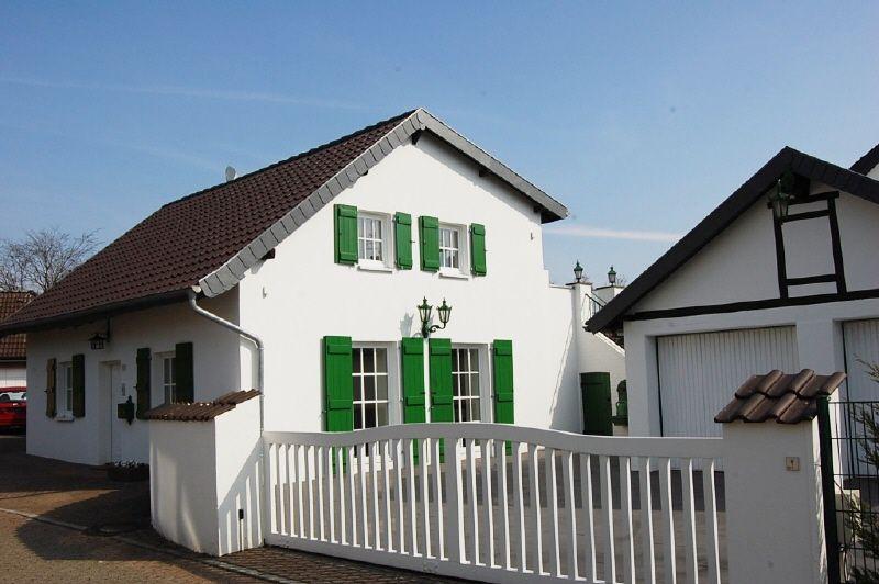 Erstbezug Modernisiertes freistehendes Einfamilienhaus Stil Charme PROVISIONSFREI - Haus mieten - Bild 1