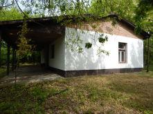 Landhaus in Jászszentlászló (Móricgát)