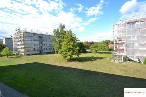 IMMOBERLIN: Sonnenhelle Wohnung mit Balkon
