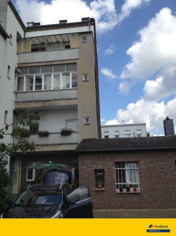 Mehrfamilienhaus in Köln  - Höhenberg