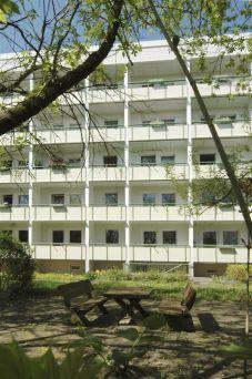 Reinkommen und Wohlfühlen - kleine 1-Raum-Wohnung mit großem Balkon