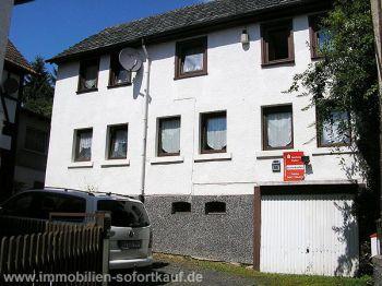 Zweifamilienhaus in Staufenberg  - Treis