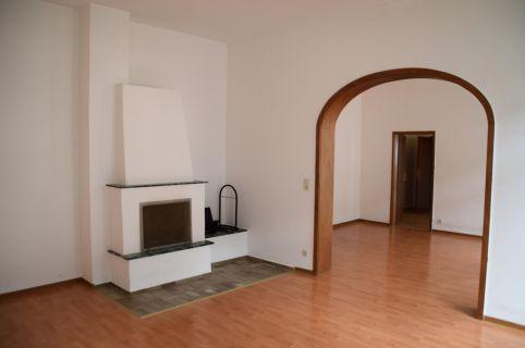 Einmalige, schöne Vier-Zimmer-Wohnung mit vielen Extras: Kamin, Wintergarten,...
