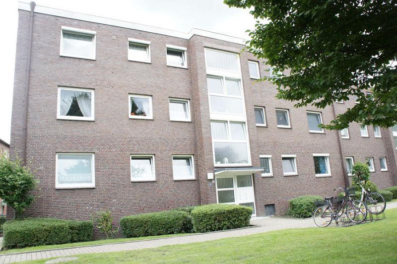 tt immobilien bietet ihnen hochparterrewohnung mit westbalkon im europaviertel. Black Bedroom Furniture Sets. Home Design Ideas