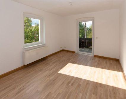 Gemütliche Zweizimmerwohnung mit Balkon im Grünen