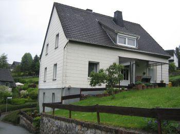 Zweifamilienhaus in Finnentrop  - Heggen