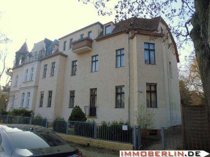 IMMOBERLIN: Gepflegte, vermietete Wohnung in idyllischer Lage