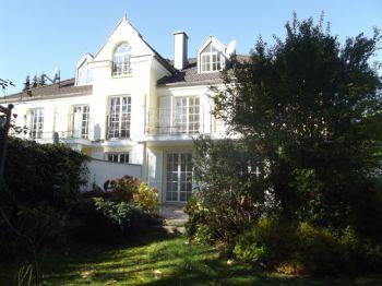 Villa in Berg  - Berg