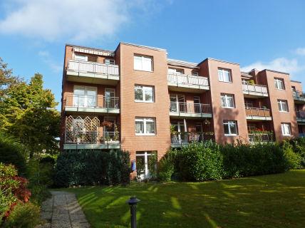 Ortsmitte Rissen - 4-Zi.-Wohnung mit Südwest-Balkon