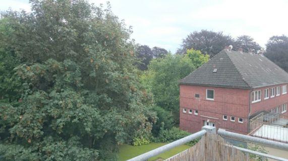 Lichtdurchflutete Altbau-Traumwohnung mit Balkon - Besichtigung am 13.09.16...