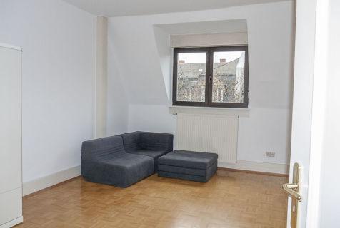 AllGrund: F-Sachsenhausen: Helles Dachgeschoss 1-Zi. Apartment in Bester...