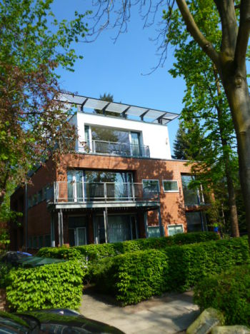 Mehrfamilienhaus in Hamburg  - Alsterdorf