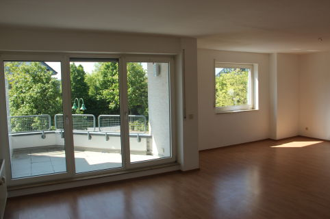 Sehr helle freundliche Etagenwohnung 2 Zimmer in Eckenhagen fußläufig