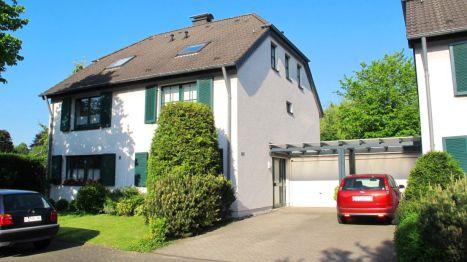 Doppelhaushälfte in Köln  - Müngersdorf