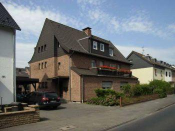 Dachgeschosswohnung in Köln  - Holweide