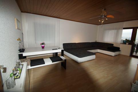 90m² große 3 Zimmerwohnung mit Panoramablik auf Erbach