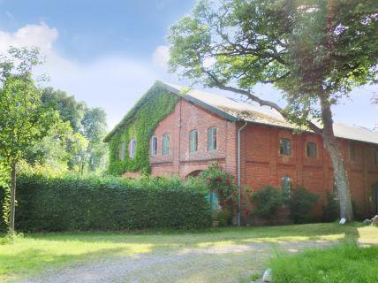 Verkauft:  2-Zi-Wohnung mit Galerie auf historischem Gutshof, Raum Lübeck