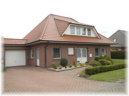 Super gepflegt ! Sackgassenlage - Wohnen ebenerdig möglich - Dachgeschoss...