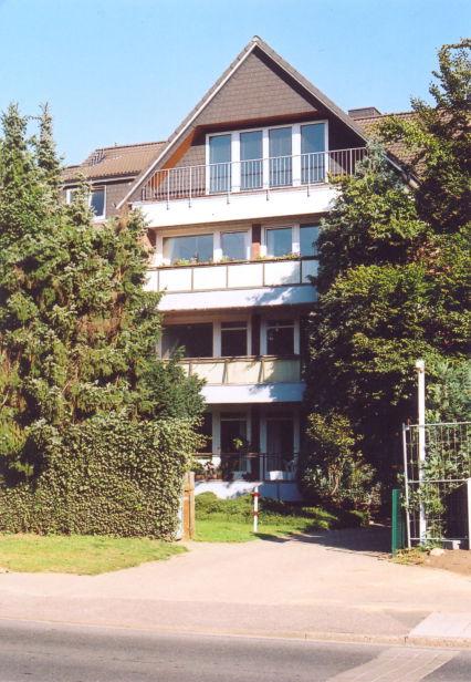 Wedel, 3 1/2-Zimmer-Wohnung im Hochparterre mit Südbalkon