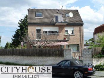 Mehrfamilienhaus in Köln  - Godorf