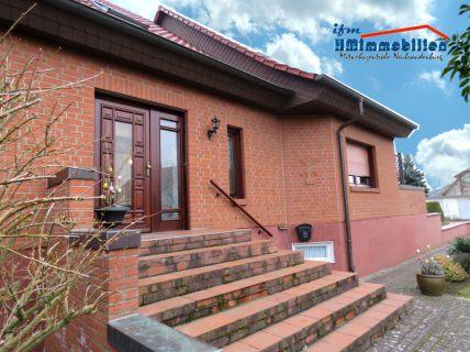 1-Zimmer-Einliegerwohnung in Weitin mit Einbauküche und Wannenbad