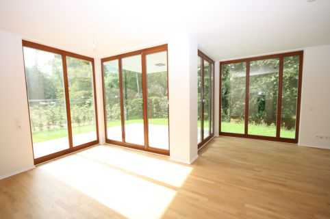 Moderne Neubau-Wohnung in Rissen