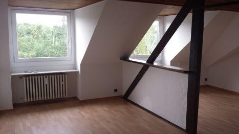 Dachgeschosswohnung in Düsseldorf  - Holthausen