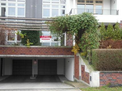 Zentrale Lage in Hamburgs Westen! Tiefgaragenstellplätze in verkehrsgünstiger...