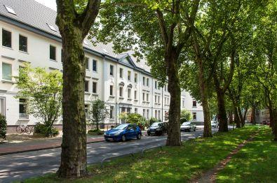 Mehrfamilienhaus in Krefeld  - Kempener Feld/Baakeshof