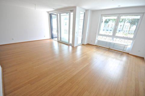 Ein bischen Luxus darf es sein - Moderne und helle Wohnung in zentraler Lage