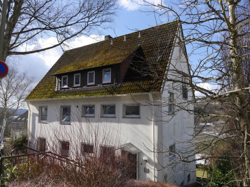 DACHGESCHOSS MIT GARTENMITBENUTZUNG SIEGEN WEIDENAU - Wohnung mieten - Bild 1