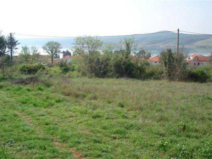 Ca. 400 m² großes, rechteckiges Grundstück mit Meersicht