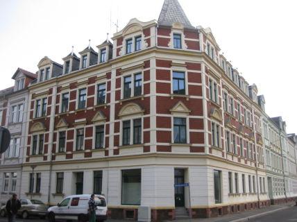 Gemütliche Dachgeschosswohnung, ruhig gelegen und frisch renoviert -...