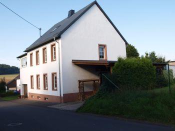 Zweifamilienhaus in Kalenborn-Scheuern