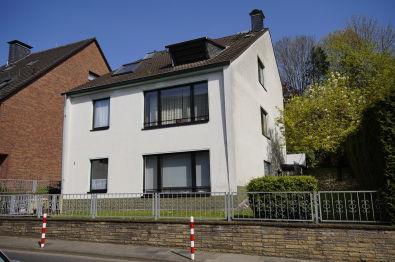 Mehrfamilienhaus in Düsseldorf  - Unterbach