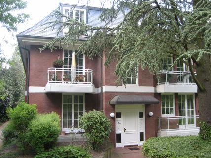**Sonnige 94 m² große 2-Zi.-Wohnung mit 2 Balkonen in Othmarschen**