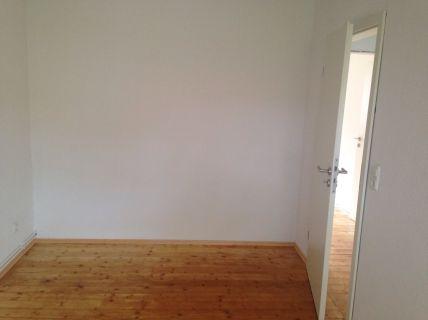 Modernisierte Drei-Zimmer-Wohnung im Dachgeschoss!