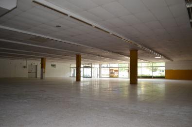 Ladenlokal in March  - Buchheim