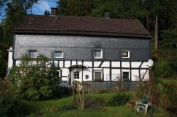 Zweifamilienhaus in Gummersbach  - Dümmlinghausen