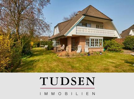 Großzügiges Rotstein-Einfamilienhaus in sonniger und ruhiger Lage.